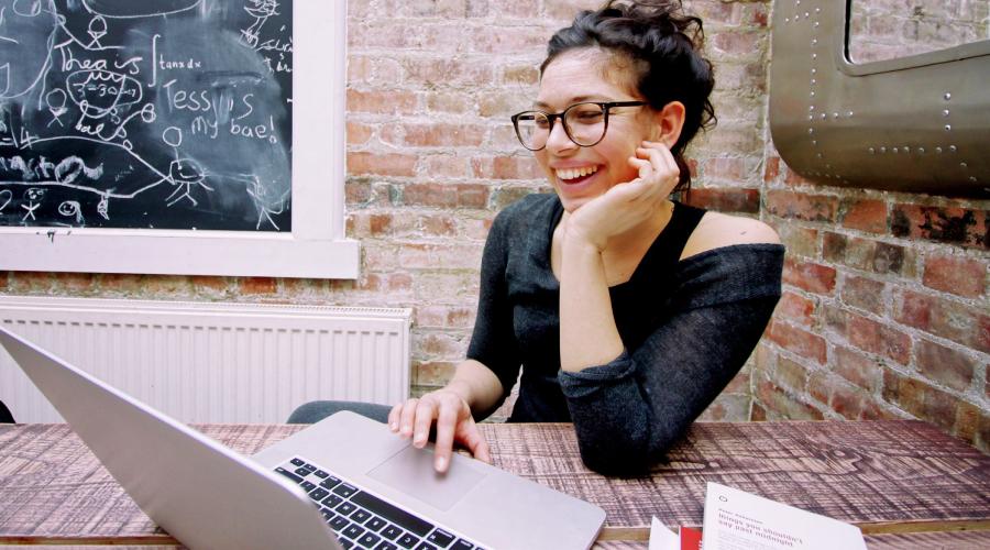 ¿Cuáles son las ventajas de aprender idiomas online?