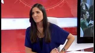 Anxo Pérez Comparte Mesa Con Bibiana Villaverde En Informativo Verano De V Televisión.
